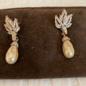 Pearl and rhinestone earrings for pierced ears